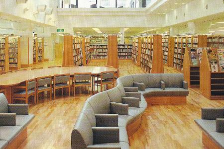 泉野図書館の館内